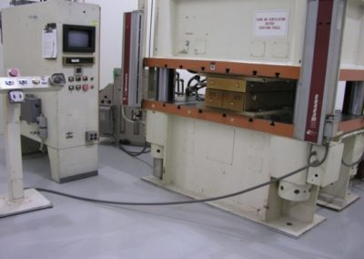 300 Ton Press Machine